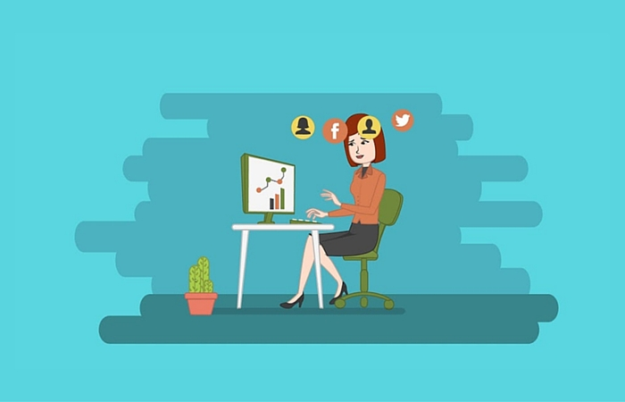 How do you use online customer behavior data to maximize marketing ROI?